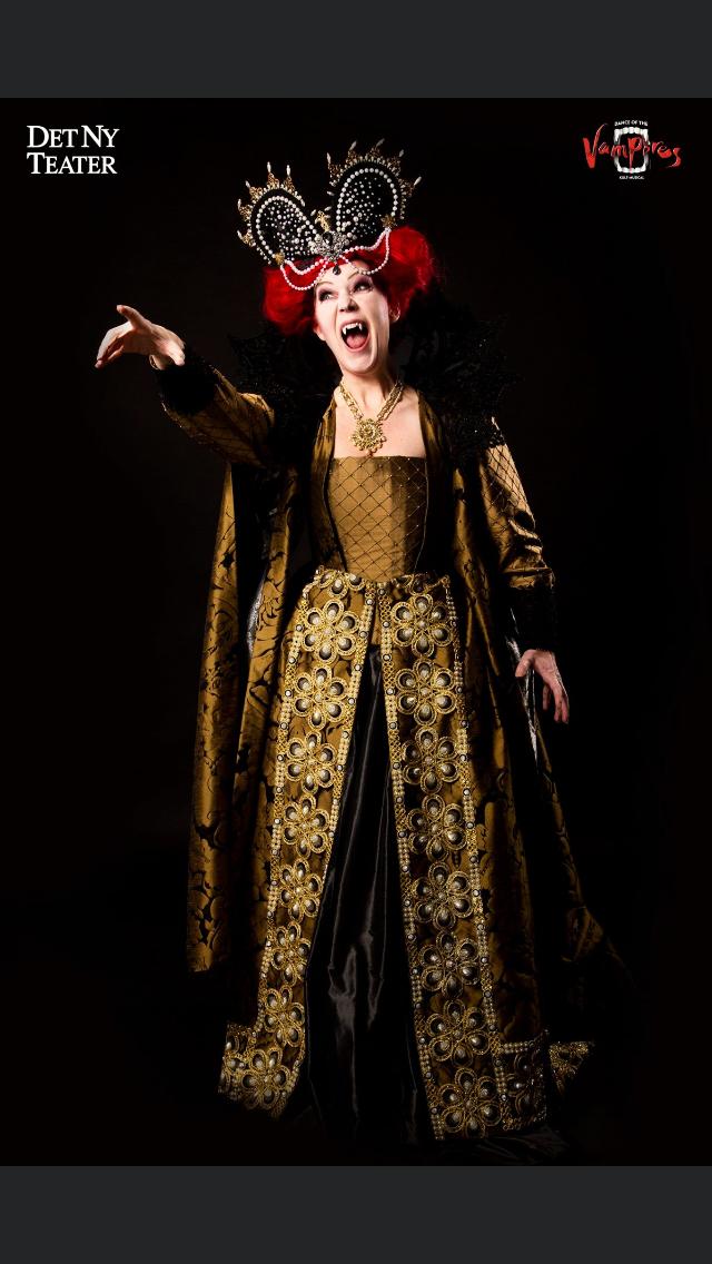 Vampire in Dance of the Vampires at Det Ny Teater, Copenhagen 2020. Photo: Kasper Beknes